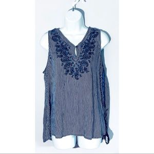 Knox Rose embroidered boho top  NWT